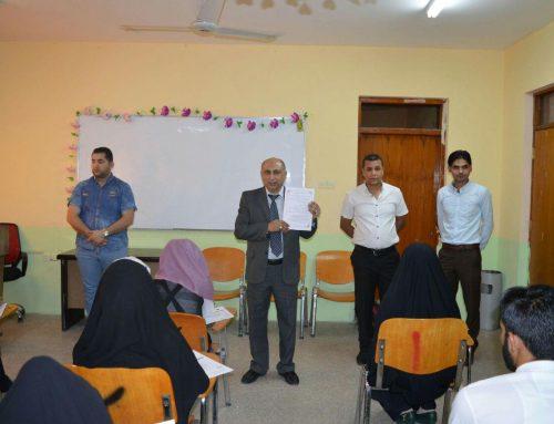 السيد عميد المعهد  يتفقد القاعات الامتحانية وسير العملية الامتحانية